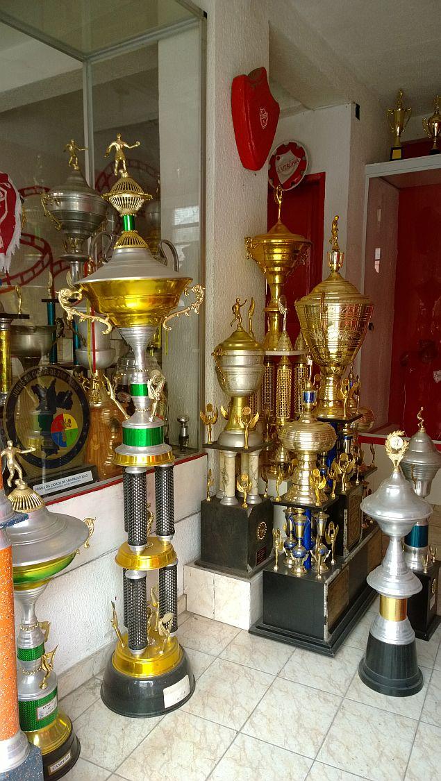 1 trofeus